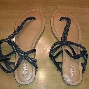 Mossimo  black beaded adjustable sandals. Sz 10
